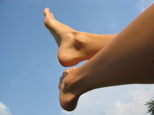 feet-1113611_1280